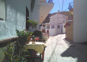 Casa Zenaida voordeur in het straatje