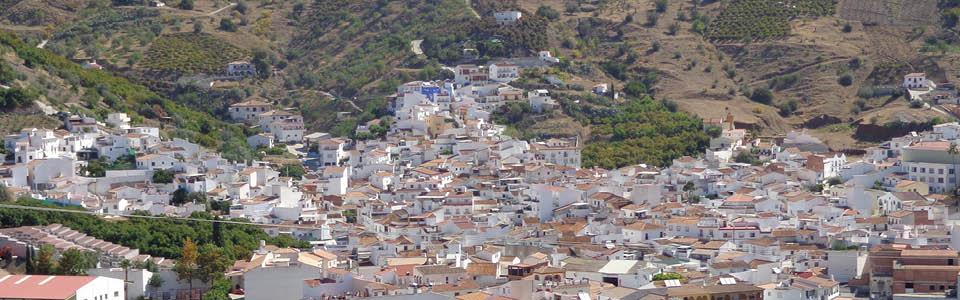 het vakantiehuis ligt in de heuvels