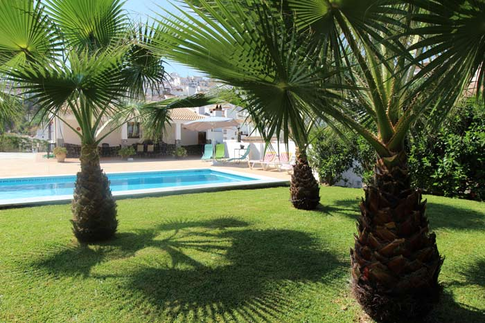 Paco heet u welkom in vakantiehuis Casa Claudia