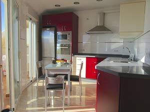 appartement met prachtige en complete keuken