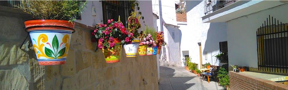 Vakantiehuis Casa Zenaida - bank bij de voordeur