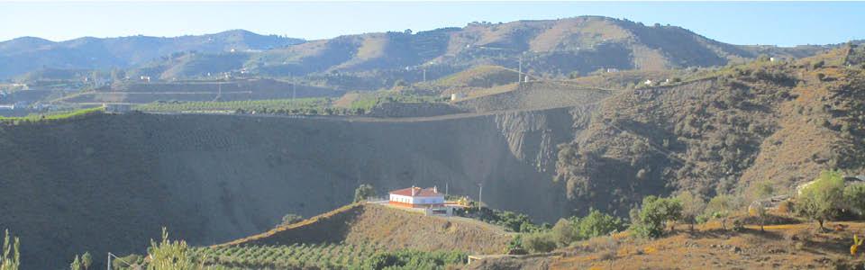 Villa Cinero in zuid Spanje - op een plateau langs de rivier