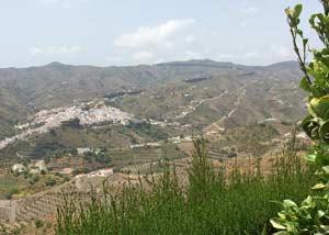 Almachar in het dal
