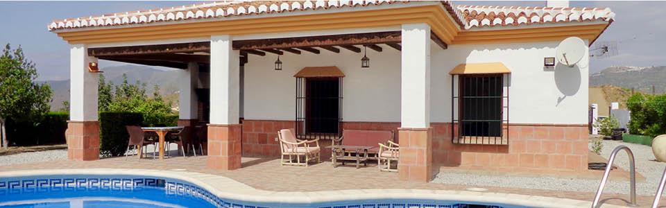 De villa is mooi gelegen in La Axarquia