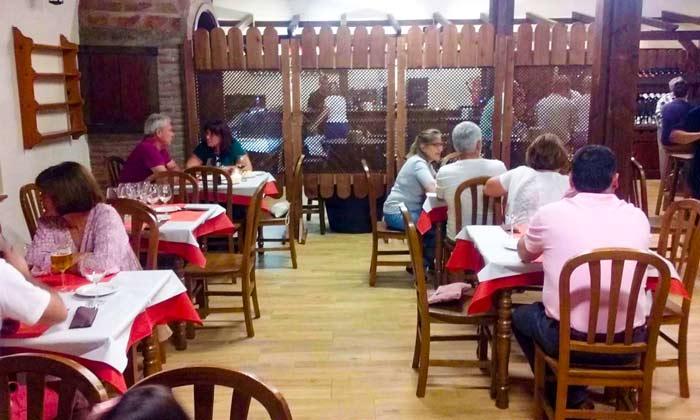 gezellig en heerlijk eten in restaurante RedondoS