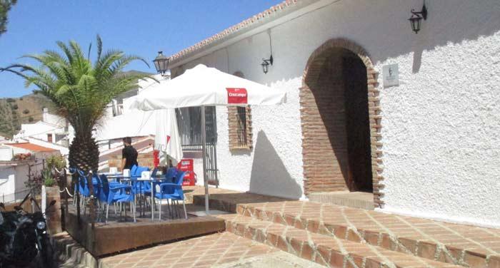 gezellig lunchen in de zon bij restaurante RedondoS