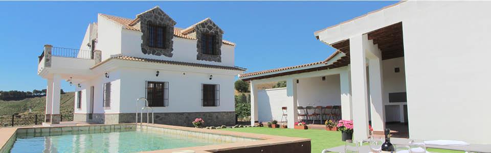 Villa bij een wit dorpje
