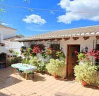 Vakantiehuis Casa la Colina ontbijten in de ochtendzon
