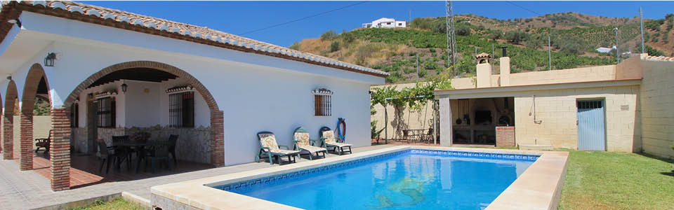 prive zwembad bij de villa
