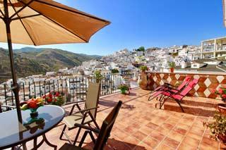 Appartement ruim met groot terras in Andalusische dorp Almachar overwinteren - Casa Violeta