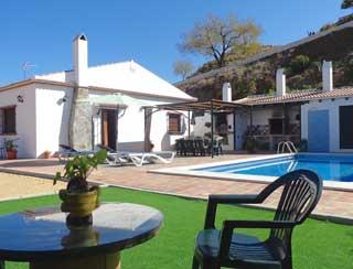 oud Olivo grande is een ruim en riant landhuis met zwembad
