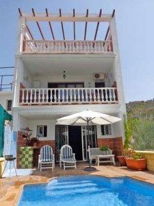 Vakantiehuis met zwembad in Andalusisch dorpje bij Benamargosa - Casa Mar