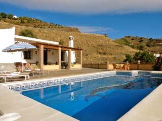 Vakantiehuis zuid Spanje Villa met groot zwembad dichtbij dorpje Andalusie - Villa Anamaria