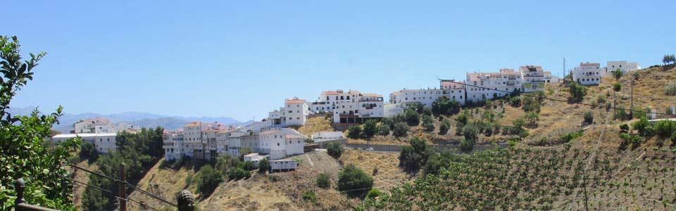 Almachar - wit dorp in de streek Axarquia - Andalusie