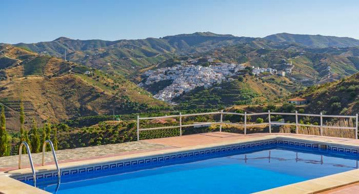 bij dorpje in de heuvels van Andalusie