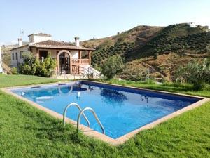 prive zwembad bij het vakantiehuis